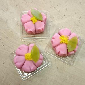煉り切り製桜
